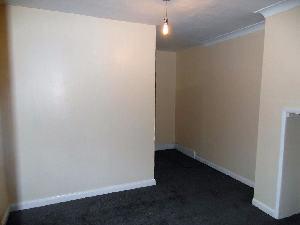 2 Bedroom Flat For Rent in Thorold Road, Ilford, IG1