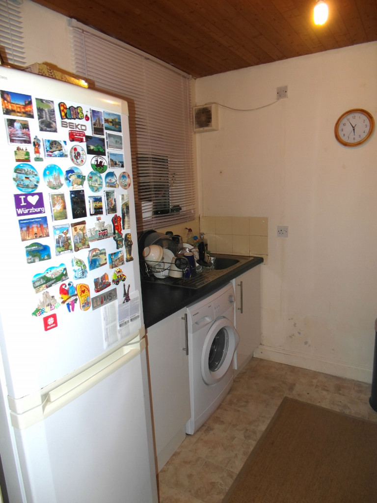 2 Bedroom Flat For Rent in Frinton mews, Gants Hill, Ilford, IG2