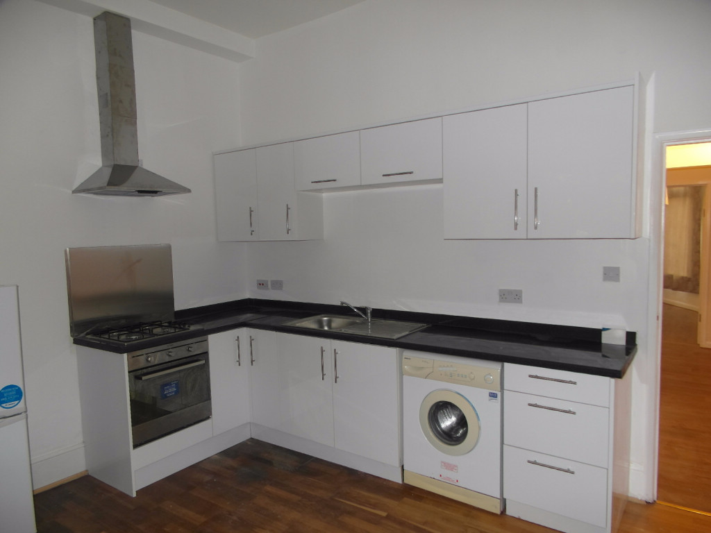 2 Bedroom Flat For Rent in Mansfield Road, Ilford, IG1