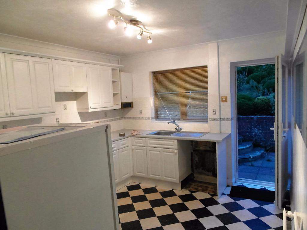 2 Bedroom House To Rent in Boxalls Grove, Aldershot, GU11