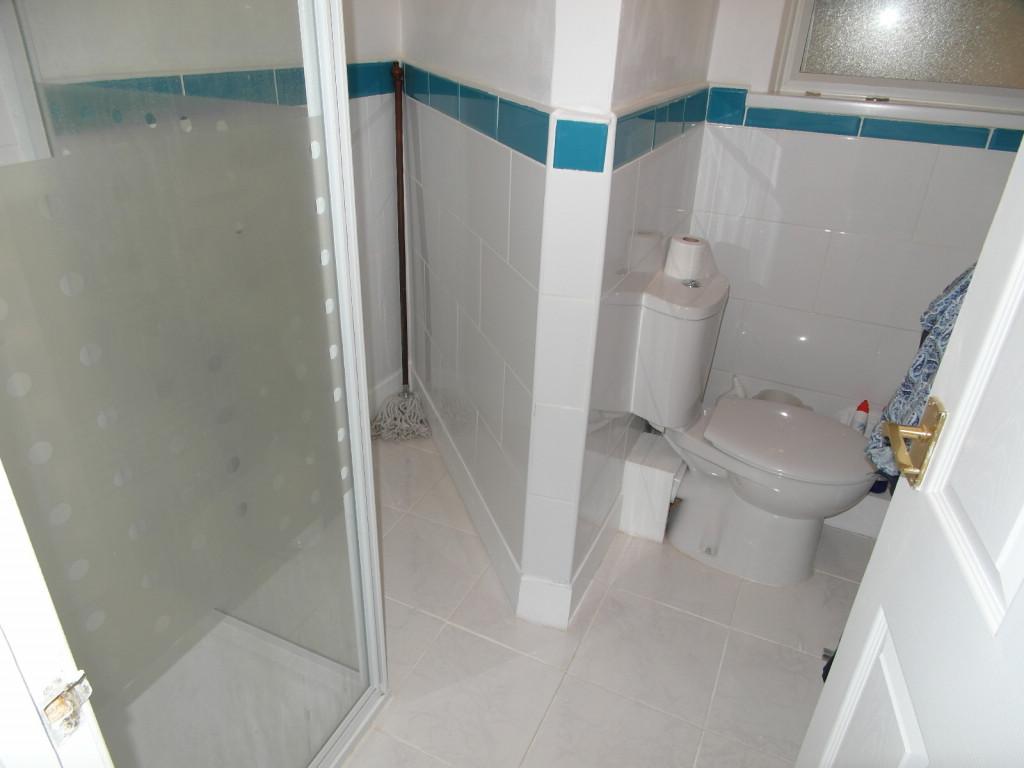 4 Bedroom Flat For Sale in Lindsey Road, Dagenham, RM8