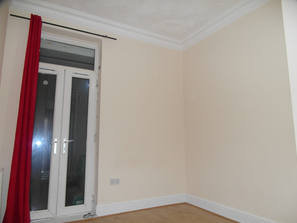 2 Bedroom Flat For Rent in Woodford Road, London, E7