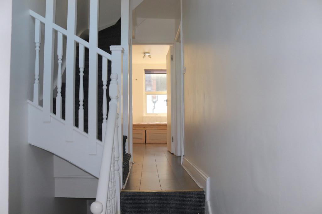 3 Bedroom Flat For Rent in Settles Street, London, E1