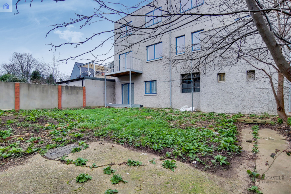 2 Bedroom Flat For Sale in Clova Road, London, E7