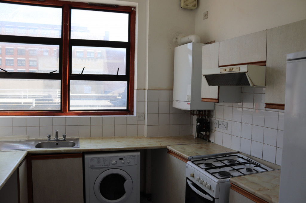 2 Bedroom Flat For Rent in Bethnal Green Road, London, E2