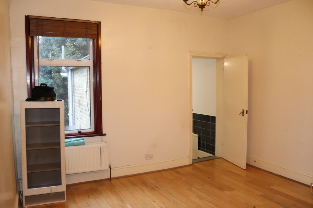 First Floor 1 Bedroom Flat For Rent In Ingleby Road, Ilford, IG1